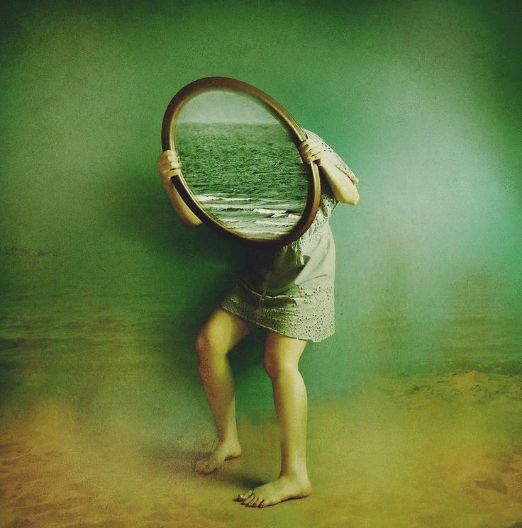 Почему нельзя есть возле зеркала