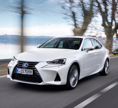 Гибридный седан Lexus IS 300h