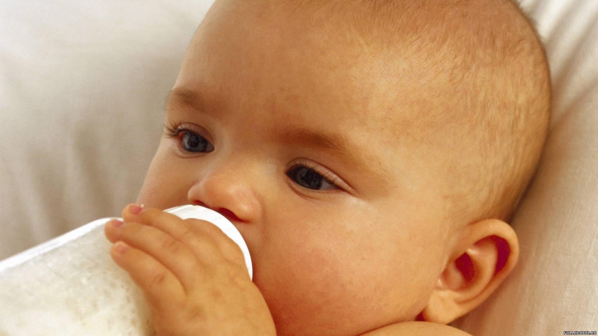 Фото молоко льётся из сосков 2 фотография