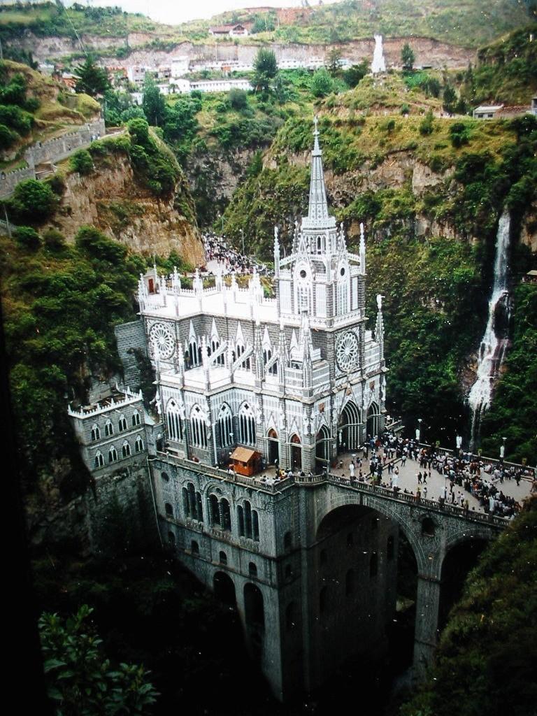 Церковь Лас-Лахас в Колумбии