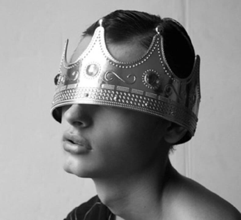 переходишь фото человек и корона лучшие