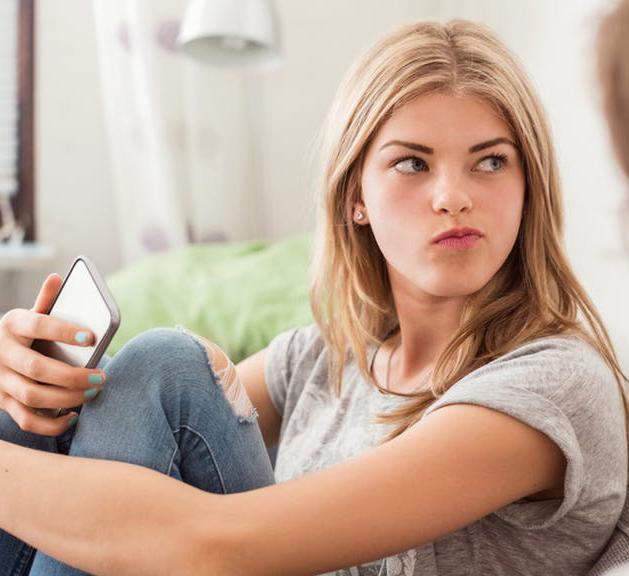 ЧИТАТЬ или НЕ ЧИТАТЬ личные сообщения детей в соцсетях?