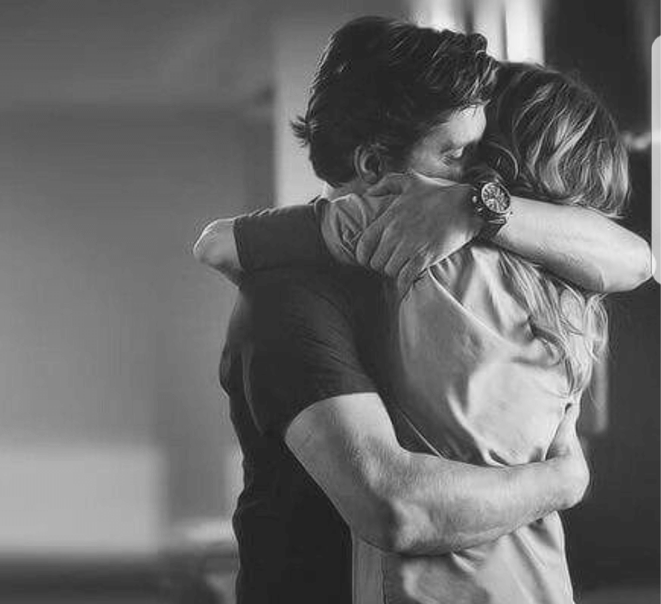 уже гиф картинки пары обнимаются много нас