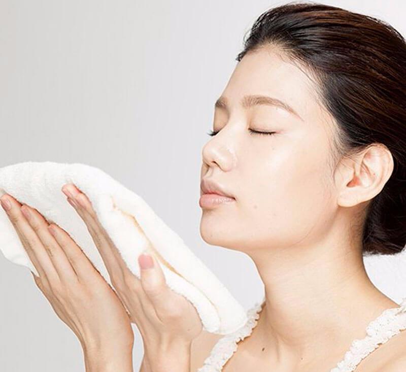 Японский массаж лица Шиацу — стать моложе просто!