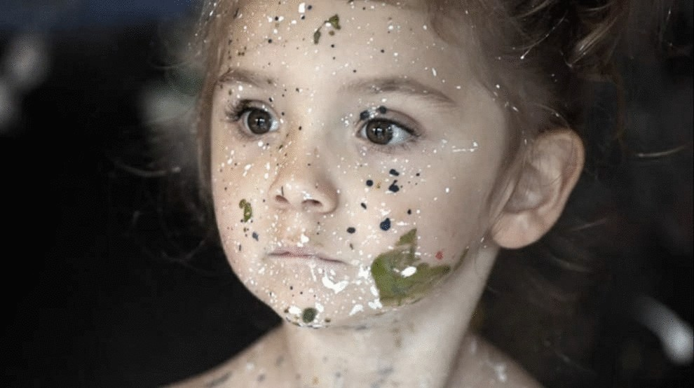 На фото сперма лицах девочек