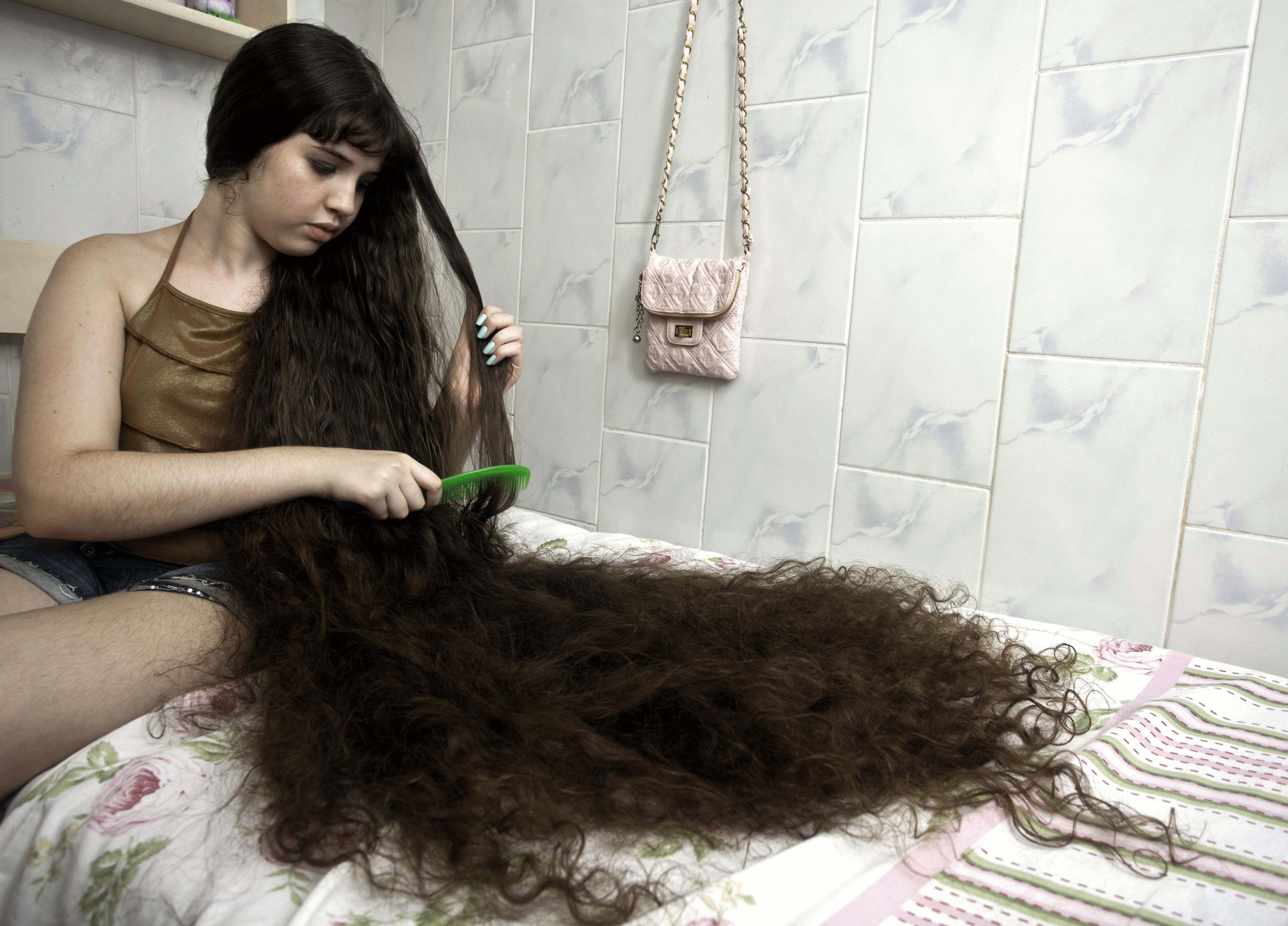 Волосы светлые во сне видеть — это говорит о преобладании правой янской хранящей сексуальную энергию почки над левой.