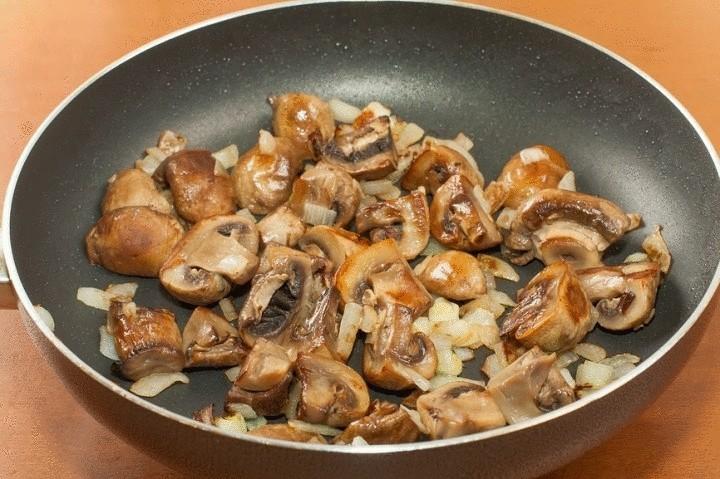 Сколько жарить замороженные белые грибы
