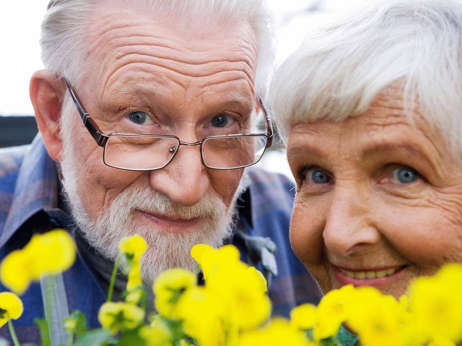 Смотреть массаж пожилых женщин 25 фотография