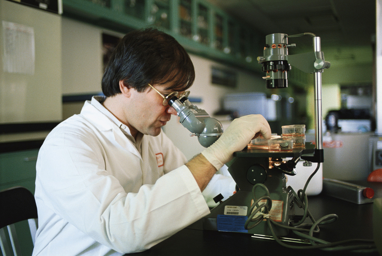 Картинки ученых в лаборатории