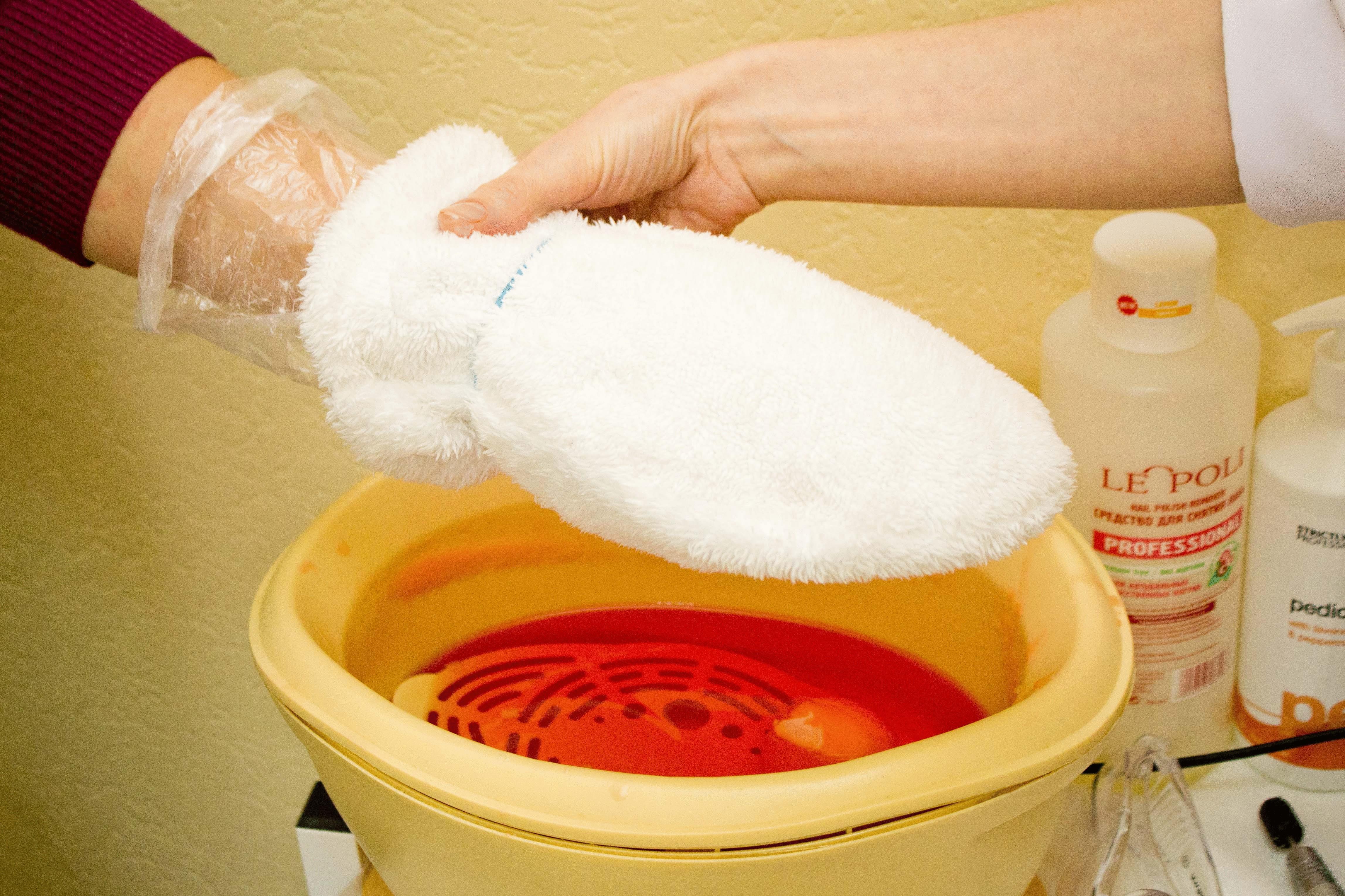 Paraffin helps moisturize the skin