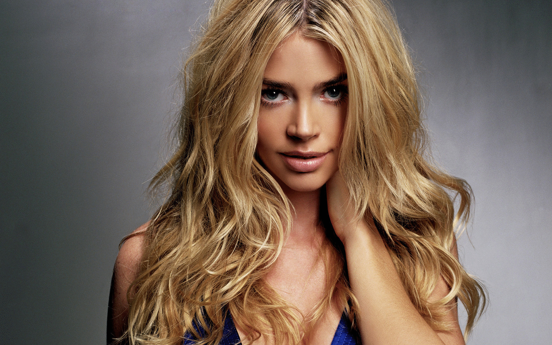 How to lighten and strengthen hair at the same time