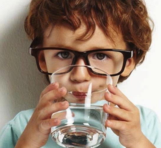Стоить ли пить воду во время еды