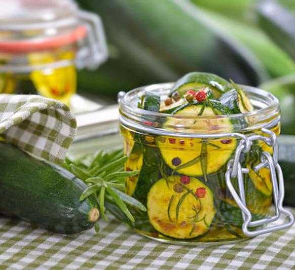 1000 рецептов салатов на зиму