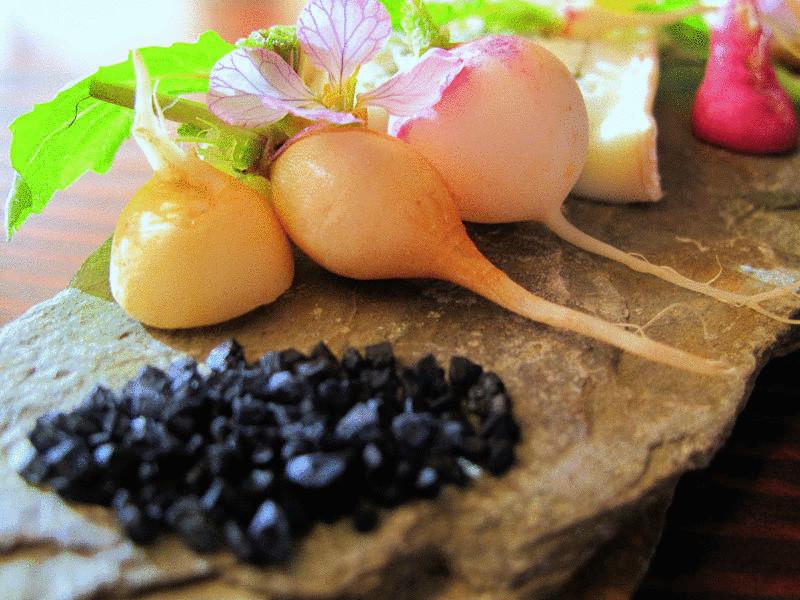 Удивительные свойства чёрной четверговой соли и старинные рецепты