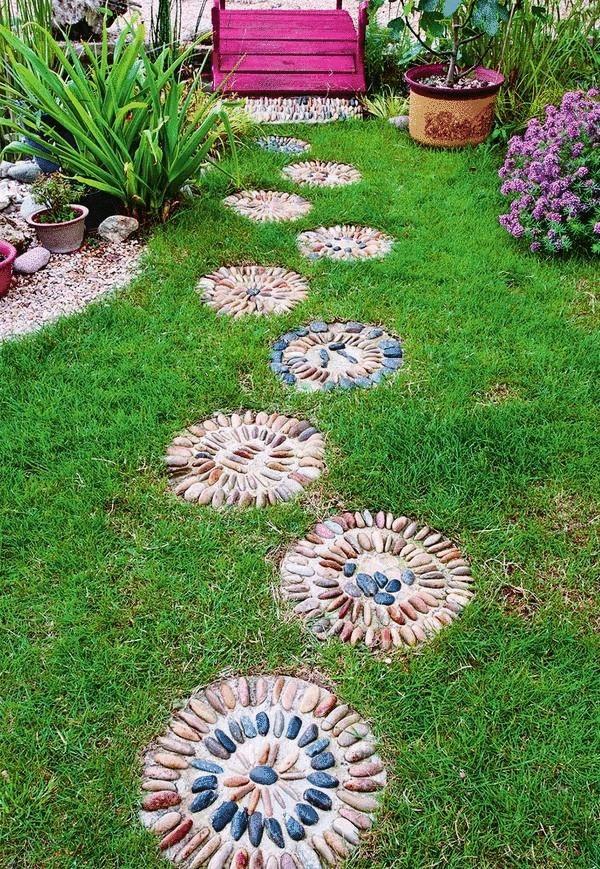 Дачная мозаика в саду своими руками 27