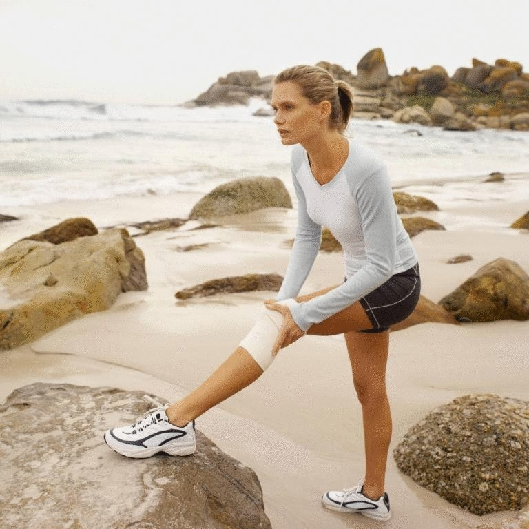 Какие упражнения помогут при боли в колене