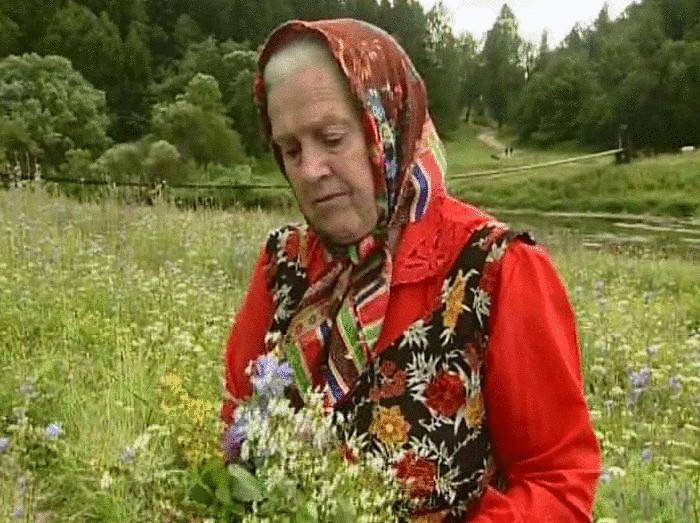 Отрывок из интервью с монастырской травницей Еленой Федоровной Зайцевой: