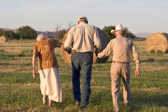 Голубые зоны: 9 правил долголетия от людей, которые живут дольше всех
