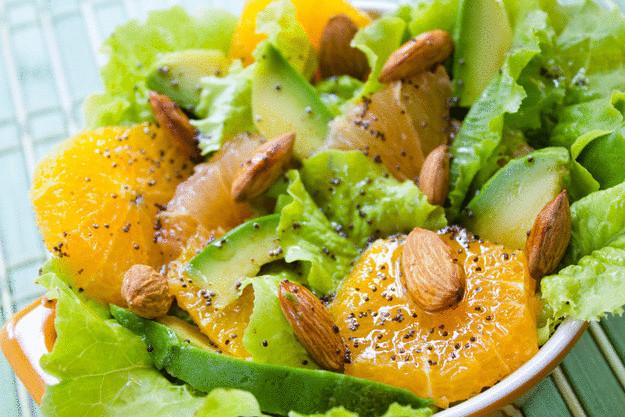 Пять вкусных ужинов для вегетарианцев - салат из авокадо и апельсина