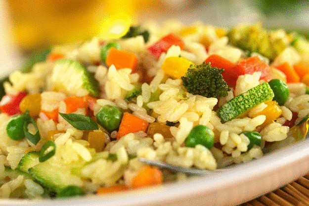 Пять вкусных ужинов для вегетарианцев - рис с овощами