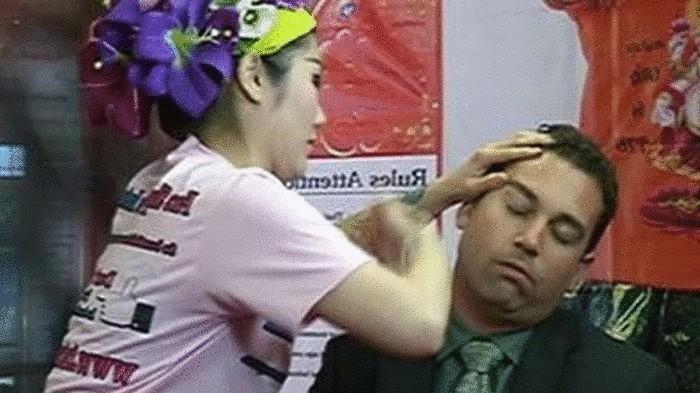 Тайский массаж-избиение.