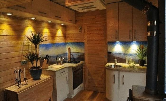 Кухня в мобильном домике.