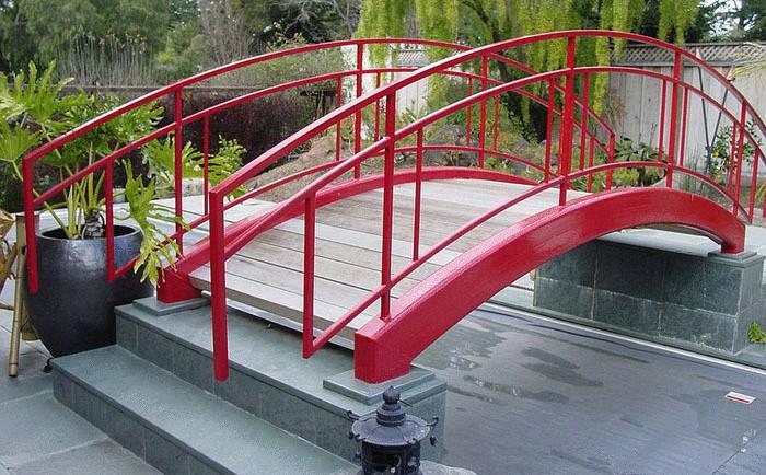 Красный мост в современном стиле от Brians Welding