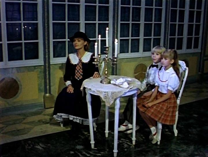 """кадр из фильма """"Мэри Поппинс, до свидания"""""""