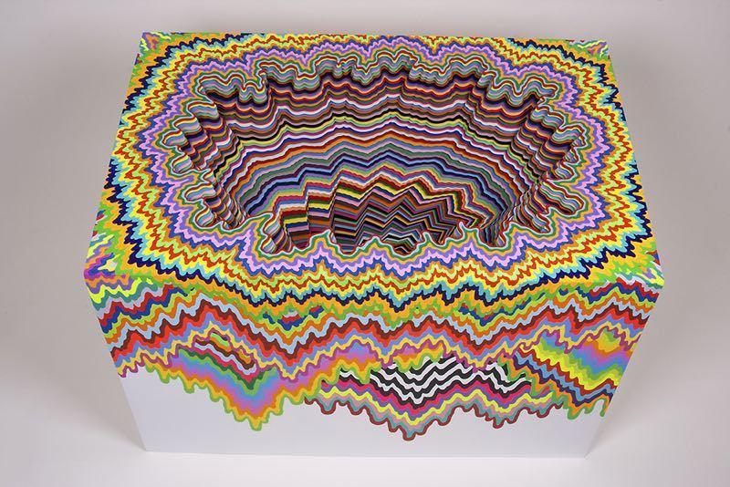 Гипнотические скульптуры из бумаги от Jen Stark