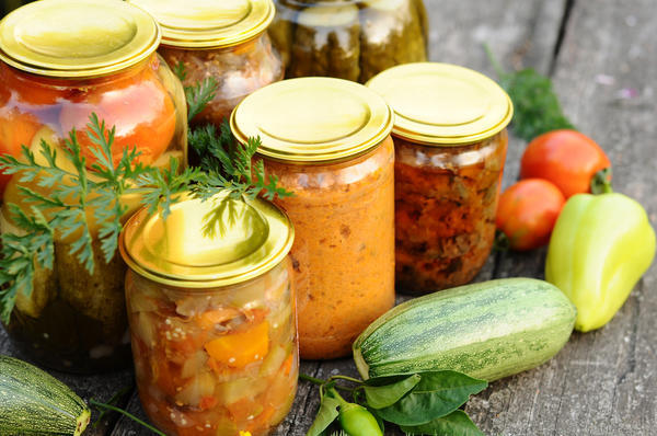 15 вкуснейших рецептов салатов из кабачков на зиму