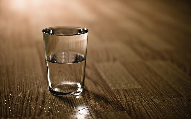 ինչու տարօրինակ համ ունի ջուրը