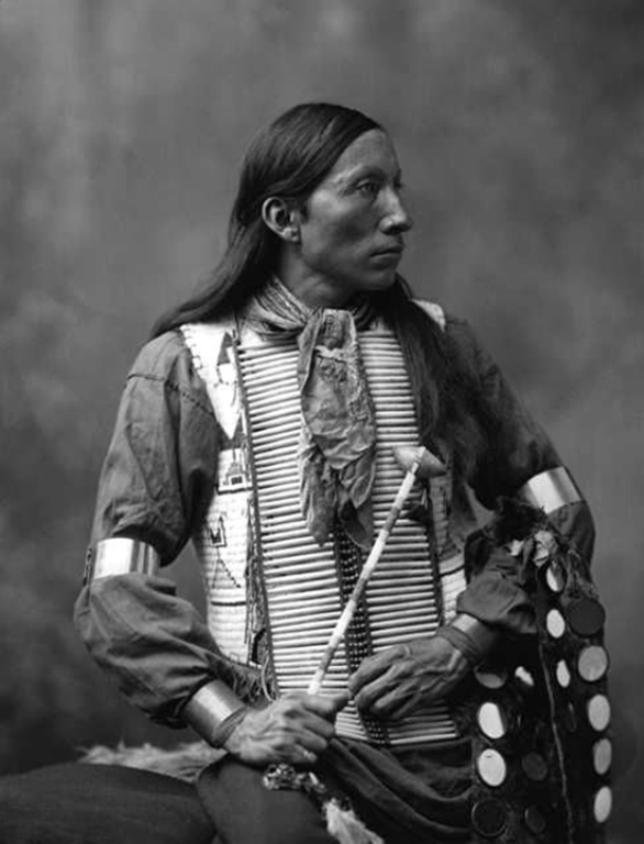 Индейцы никогда не стриглись. Причина заставляет шевелиться ваши волосы!