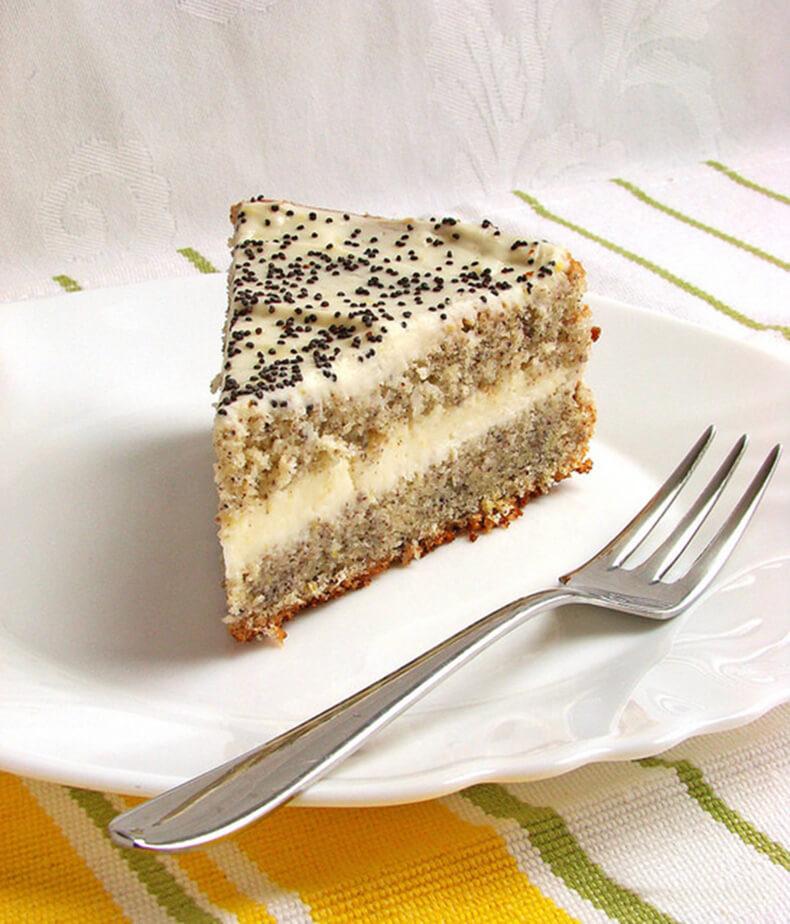 Маково-творожный торт