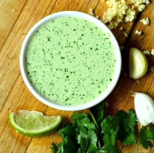 4. Сметанно-лаймовый соус с зеленью
