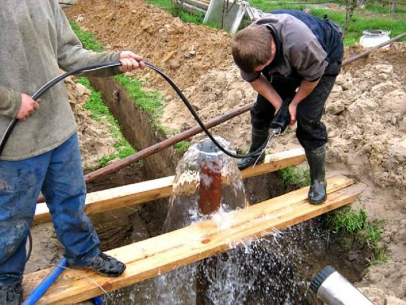 Как достать насос из скважины оборвался трос