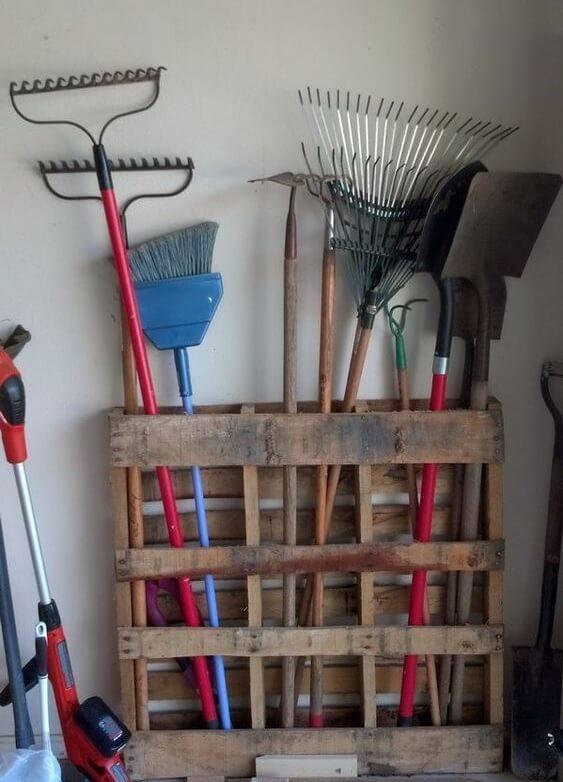 Идеи для хранения садового инвентаря в идеальном порядке