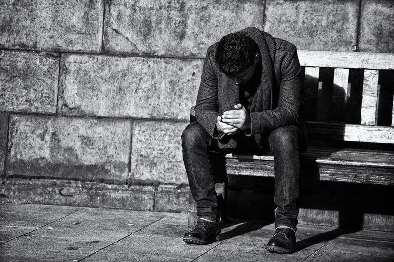 У всех несчастных людей одни и те же претензии к жизни