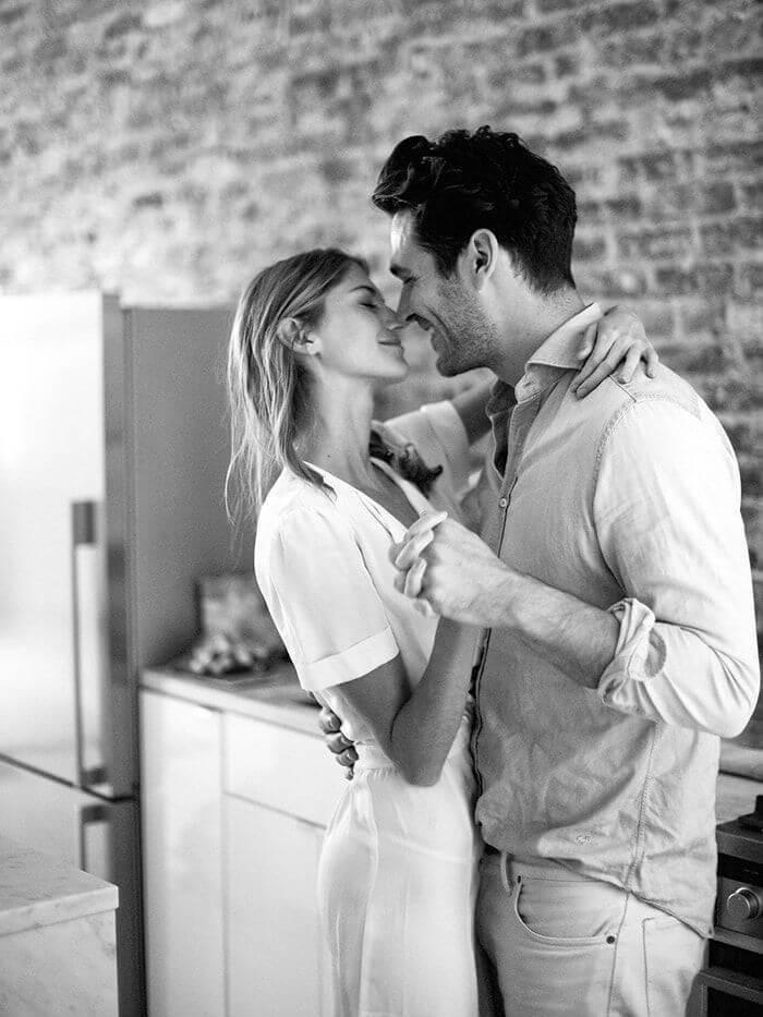 7 признаков того что парень тебя любит