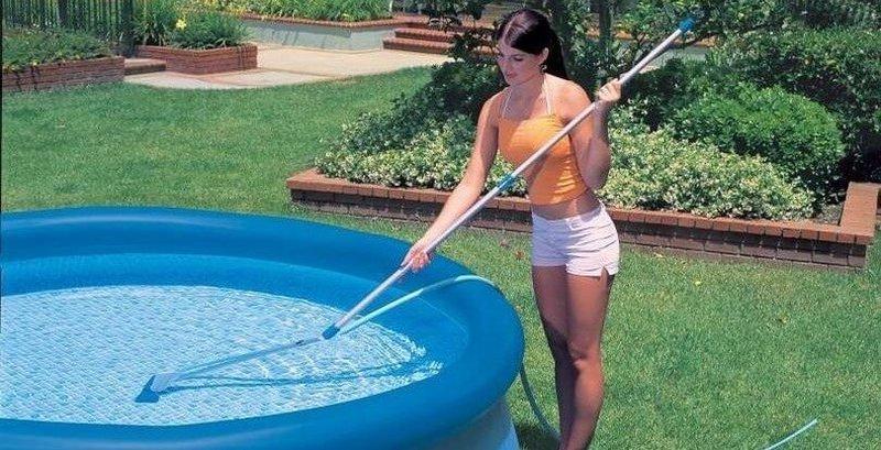 Смотреть видео чистильщик бассейнов, горячая с пирсингом киски