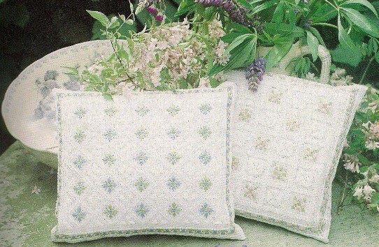 Сделать подушку с травами своими руками