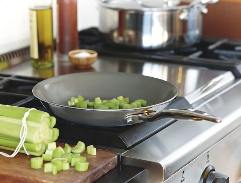 9 трюков, чтобы еда не пригорала