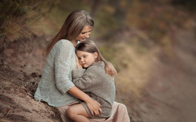 Дочь дала маме
