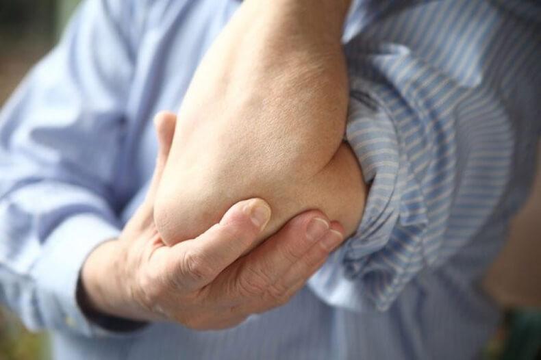 Простые приемы для избавления от боли в коленях и локтях
