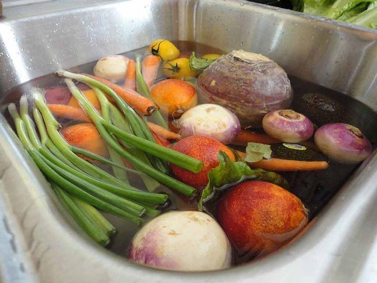 Как очистить фрукты и овощи от пестицидов: рекомендации фермера