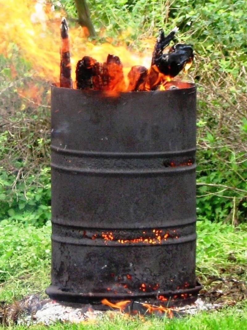 Как из бочки сделать печь для сжигания  498