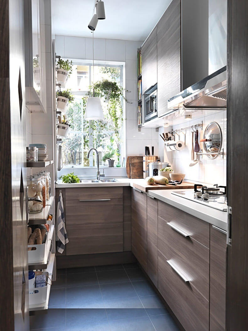 Интерьер узкой кухни идеи 43