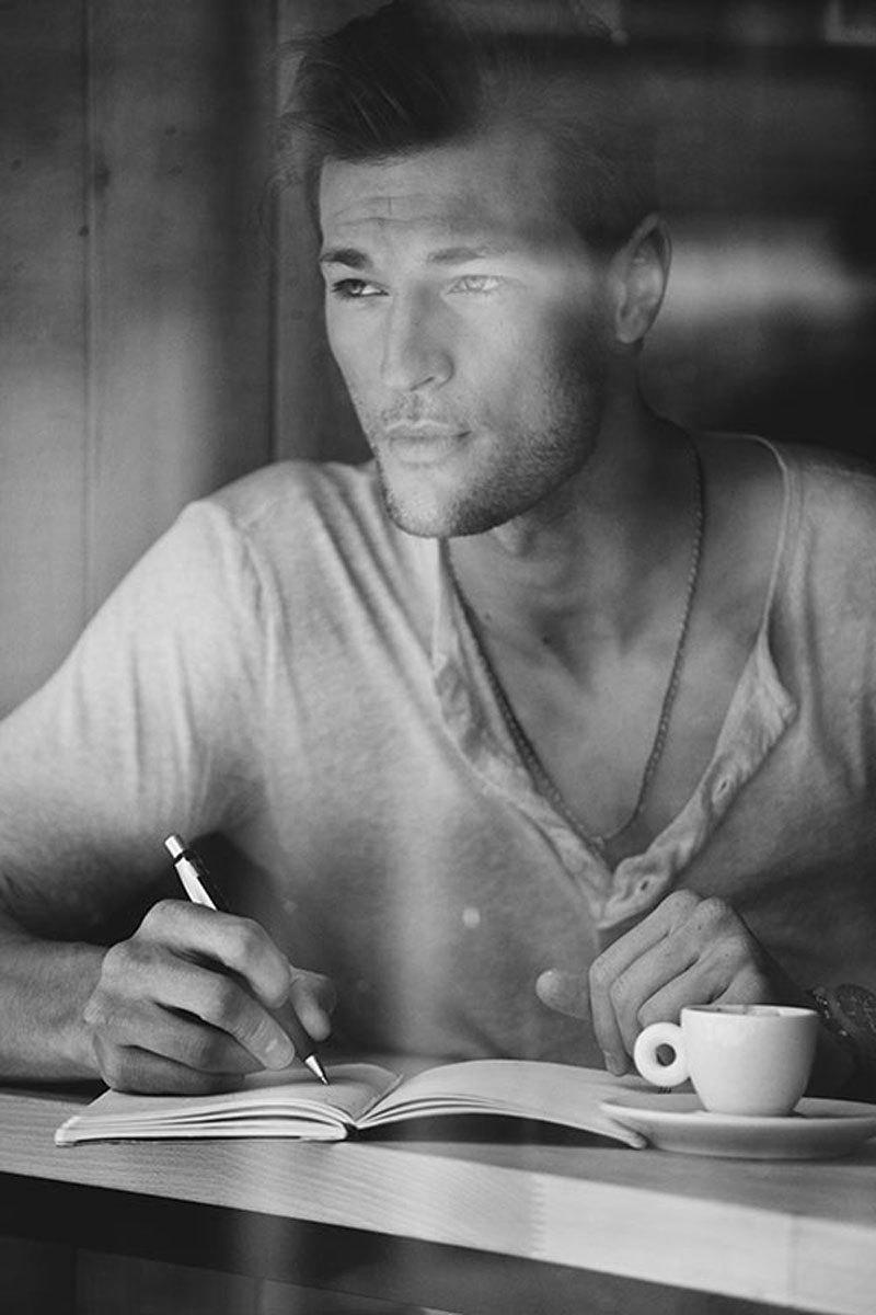 Никогда не соглашайтесь на плохой кофе, неподходящего мужчину или скучных друзей