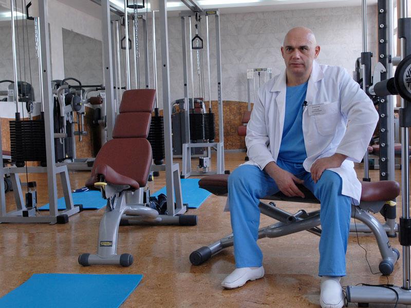 Сергей Бубновский: Болит позвоночник? Откажитесь от компрессов и займитесь гимнастикой