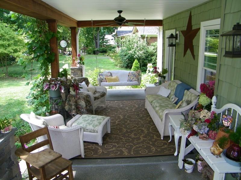 Выбираем дизайн веранды для загородного дома (28 фото)