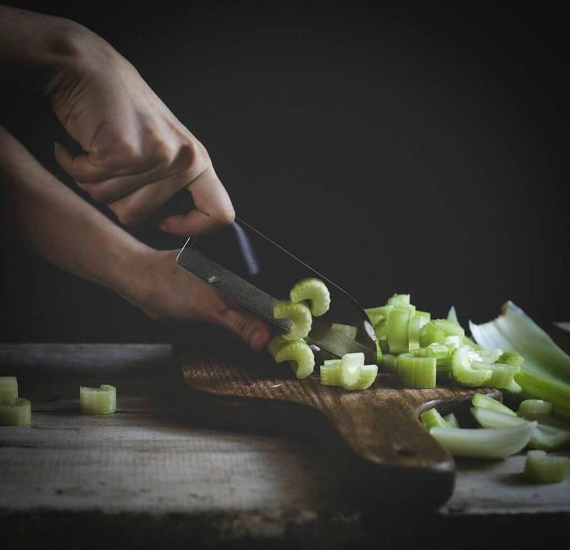 Начни день с сельдерея: 5 простых рецептов